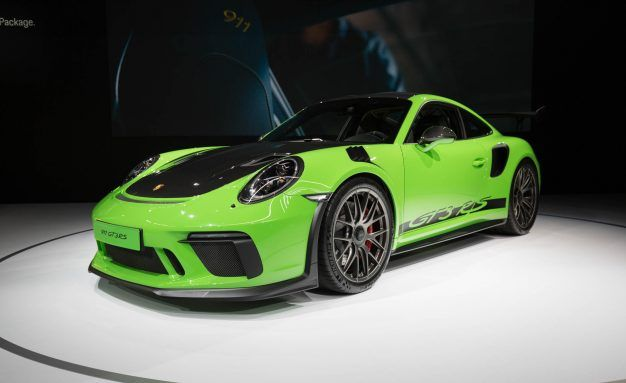 Weissach Package Lightens 2019 Porsche 911 GT3 RS, Your Bank Account