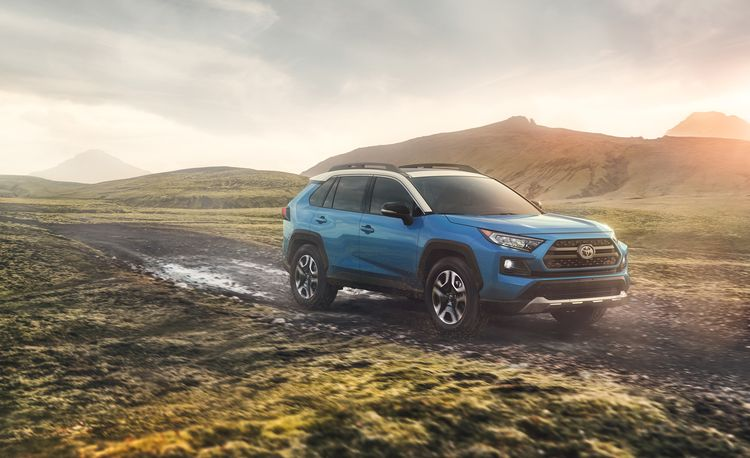 2019 Toyota RAV4 / RAV4 Hybrid: Sales Champ Gets a Compelling Overhaul – Official Photos and Info