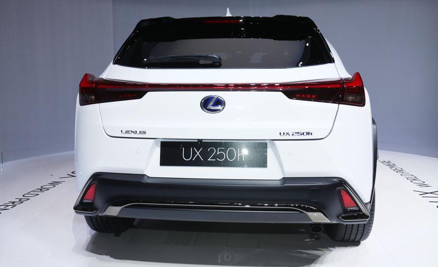 2019 Lexus UX - Slide 5