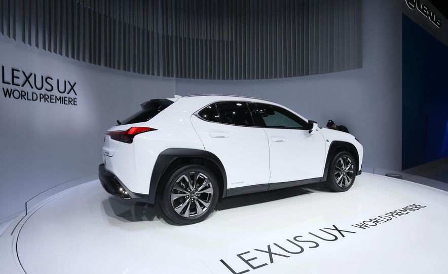 2019 Lexus UX - Slide 3