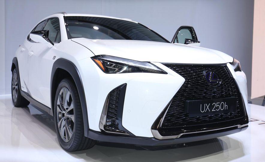 2019 Lexus UX - Slide 2
