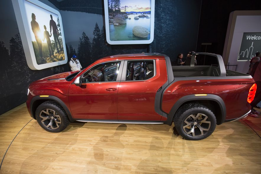 The 11 Coolest Design Details at the 2018 New York Auto Show - Slide 12