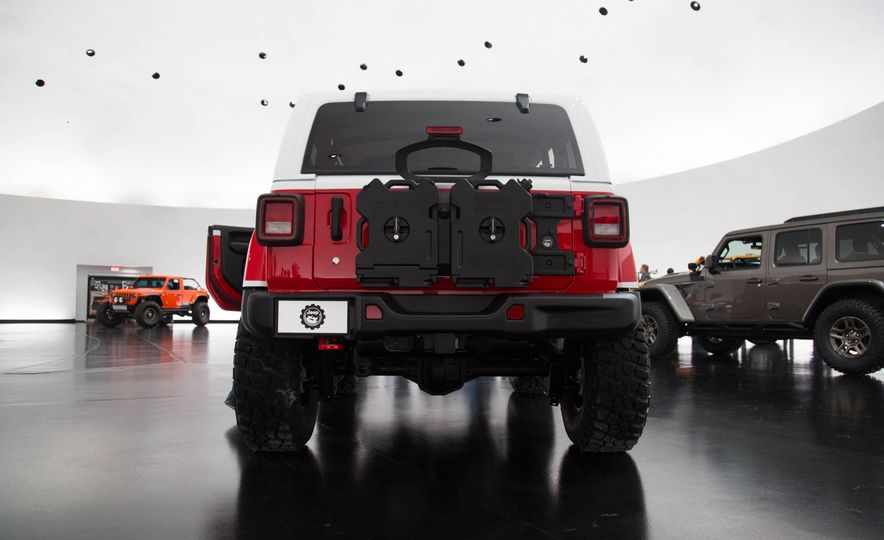 Jeep Jeepster concept - Slide 8