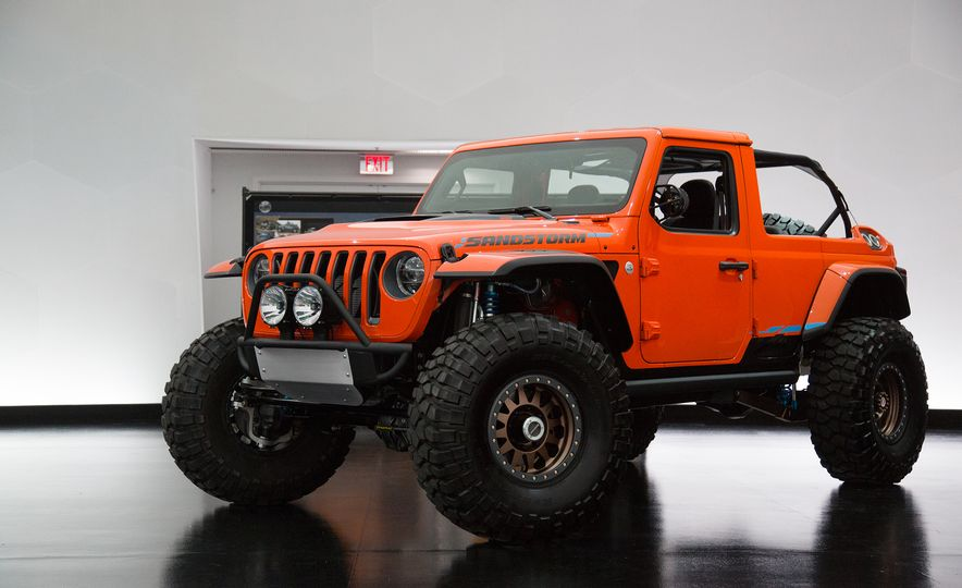 Jeep's New Easter Safari Concepts: Desert Racer, Remixed Wagoneer, and More! - Slide 20