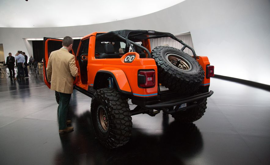 Jeep's New Easter Safari Concepts: Desert Racer, Remixed Wagoneer, and More! - Slide 22