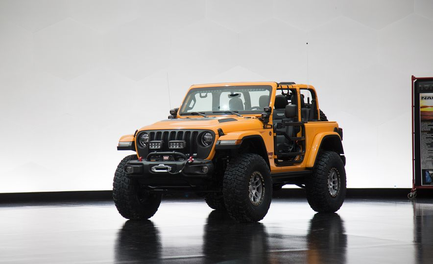 Jeep's New Easter Safari Concepts: Desert Racer, Remixed Wagoneer, and More! - Slide 11