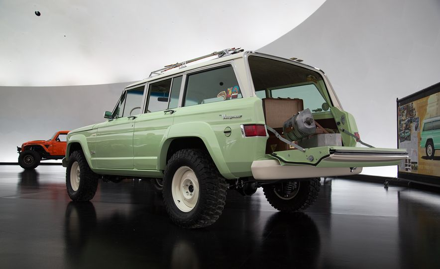 Jeep's New Easter Safari Concepts: Desert Racer, Remixed Wagoneer, and More! - Slide 18