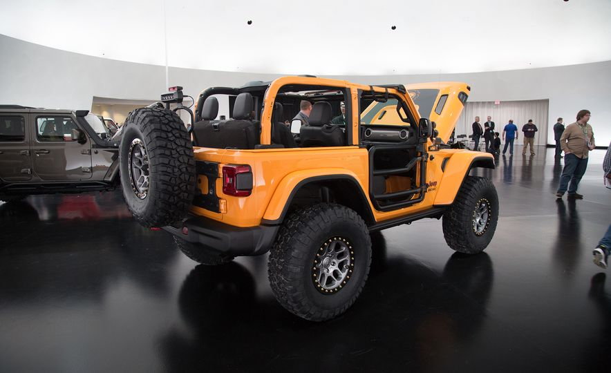 Jeep's New Easter Safari Concepts: Desert Racer, Remixed Wagoneer, and More! - Slide 12