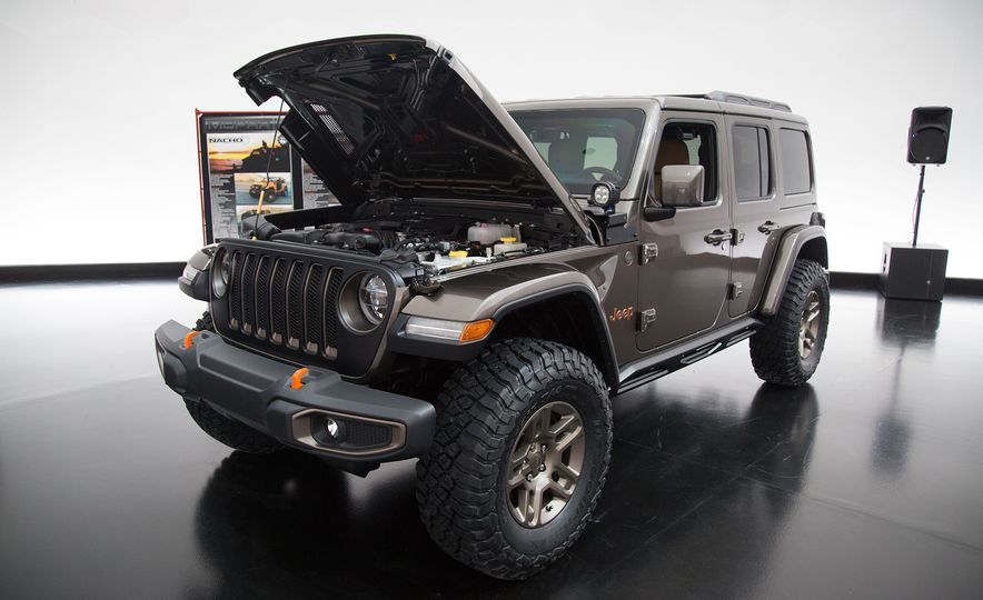 Jeep's New Easter Safari Concepts: Desert Racer, Remixed Wagoneer, and More! - Slide 5