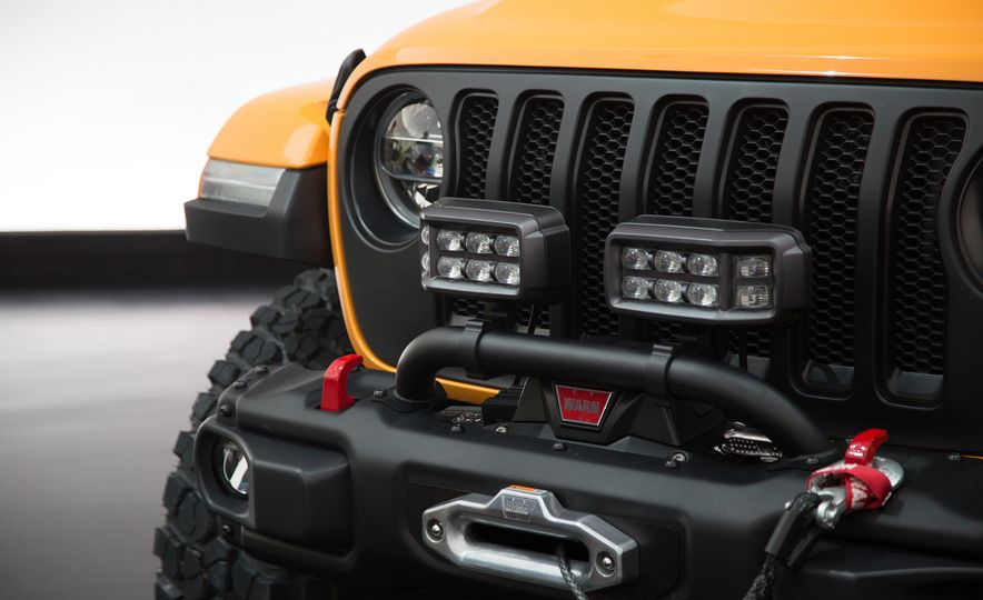 Jeep's New Easter Safari Concepts: Desert Racer, Remixed Wagoneer, and More! - Slide 13
