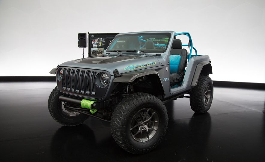 Jeep's New Easter Safari Concepts: Desert Racer, Remixed Wagoneer, and More! - Slide 14