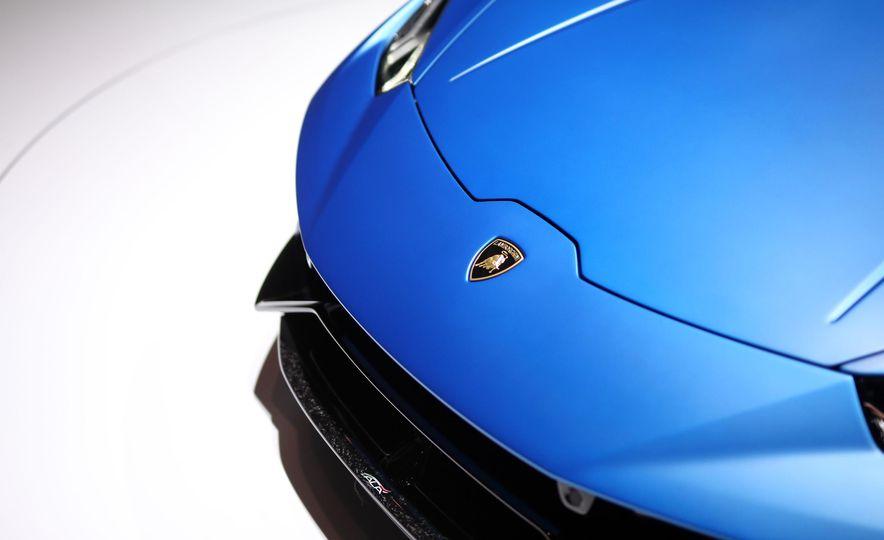 2019 Lamborghini Huracan Performante Spyder - Slide 14