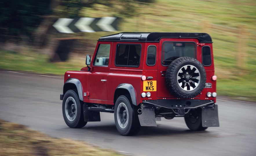 Land Rover Defender Works V8 - Slide 5