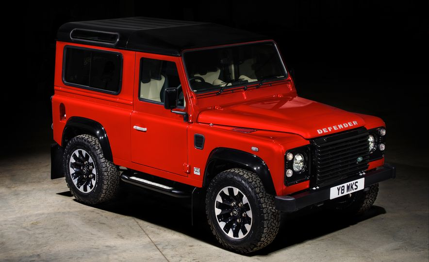 Land Rover Defender Works V8 - Slide 15