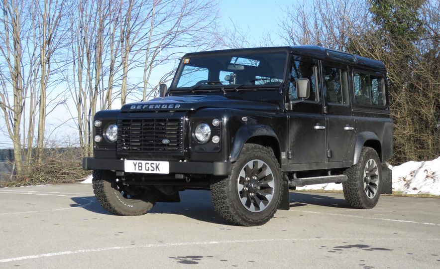 Land Rover Defender Works V8 - Slide 19