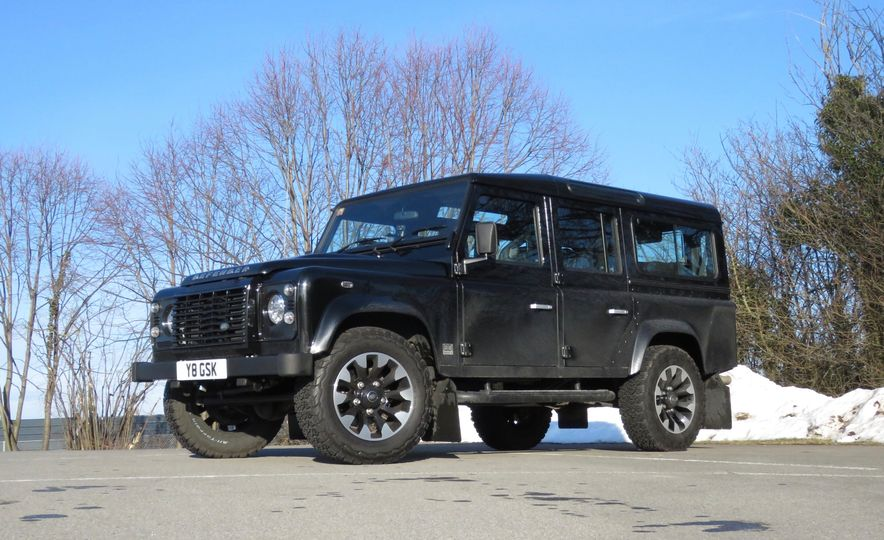 Land Rover Defender Works V8 - Slide 20