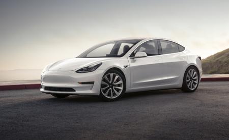 First Deliveries of $35K Version of Tesla Model 3 Delayed until Late 2018