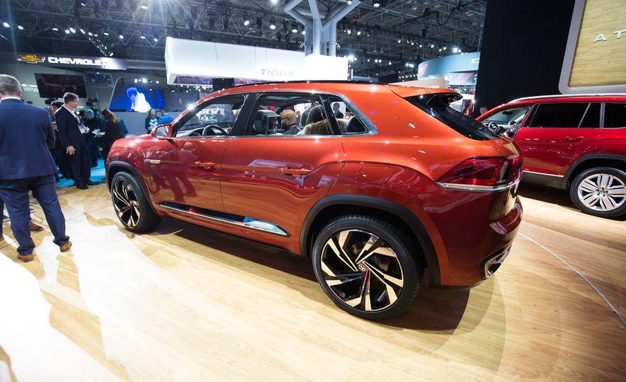 Volkswagen Atlas Cross Sport concept - Slide 3