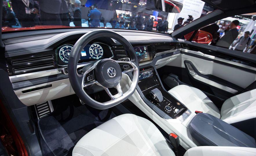 Volkswagen Atlas Cross Sport concept - Slide 11