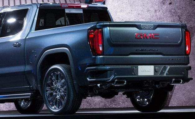 Here Are All Six Things the 2019 GMC Sierra's Wild MultiPro Tailgate Can Do