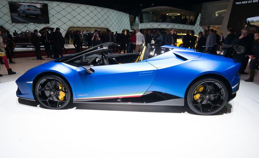 2019 Lamborghini Huracan Performante Spyder - Slide 4