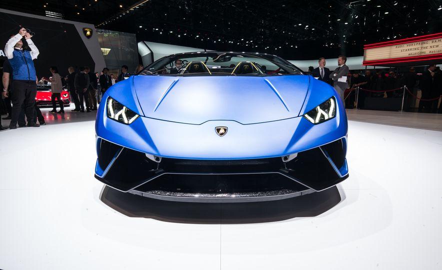2019 Lamborghini Huracan Performante Spyder - Slide 2