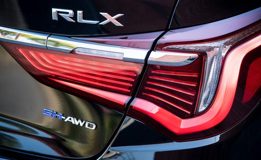 2018 Acura RLX Sport Hybrid SH-AWD - Slide 22