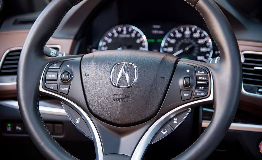 2018 Acura RLX Sport Hybrid SH-AWD - Slide 27