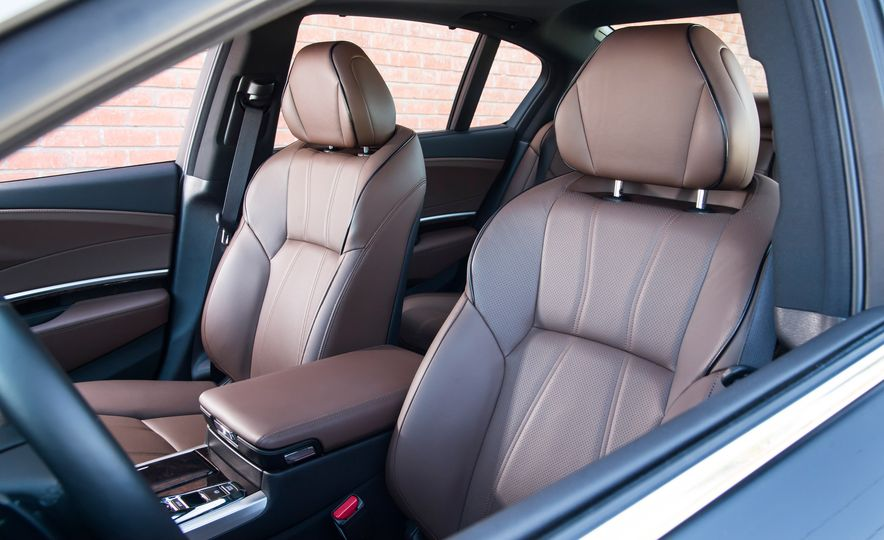 2018 Acura RLX Sport Hybrid SH-AWD - Slide 30