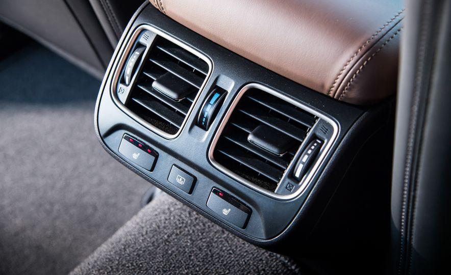 2018 Acura RLX Sport Hybrid SH-AWD - Slide 32
