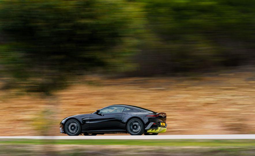 2019 Aston Martin Vantage - Slide 3