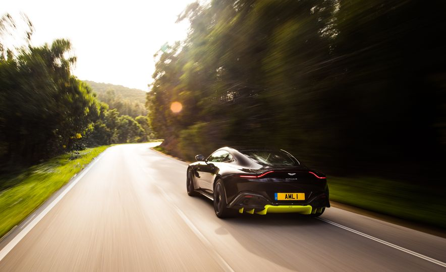 2019 Aston Martin Vantage - Slide 6