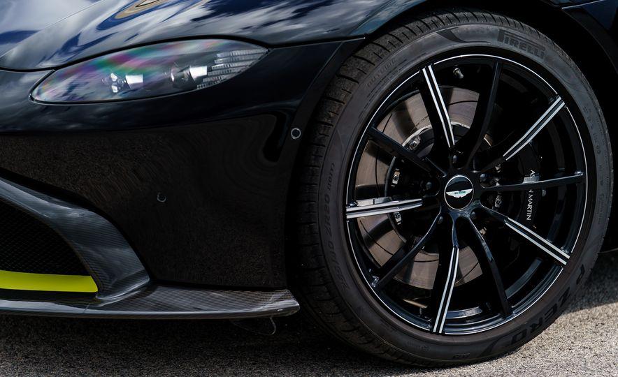 2019 Aston Martin Vantage - Slide 17