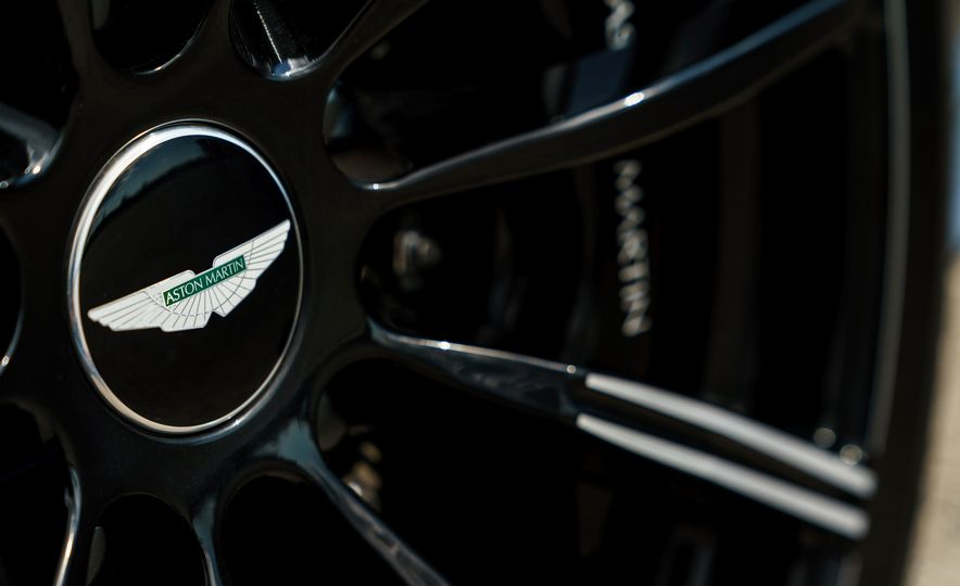 2019 Aston Martin Vantage - Slide 19