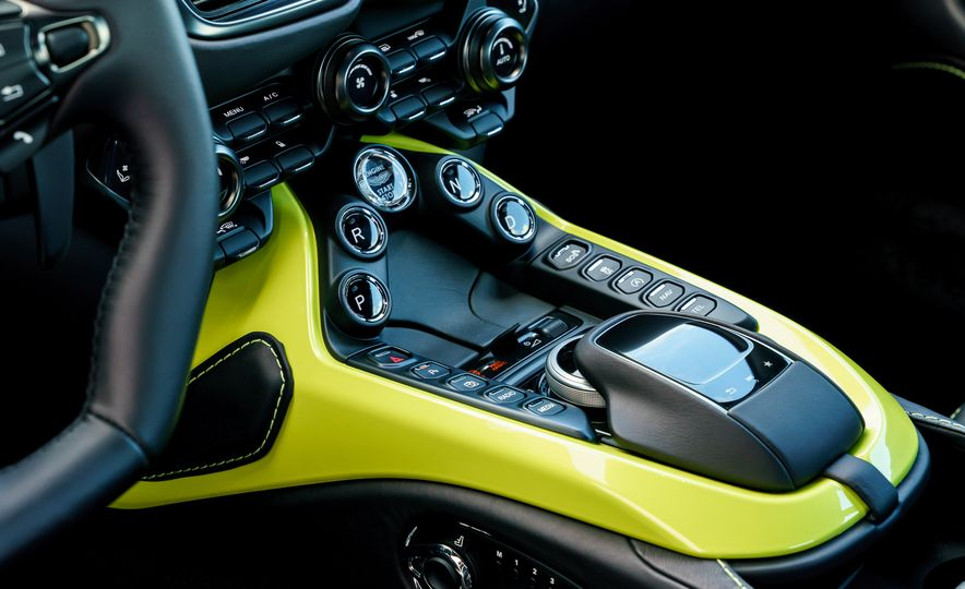 2019 Aston Martin Vantage - Slide 26
