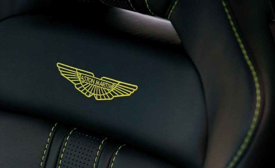 2019 Aston Martin Vantage - Slide 30