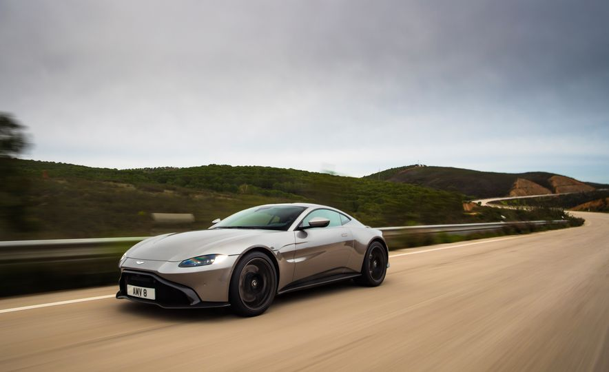 2019 Aston Martin Vantage - Slide 36