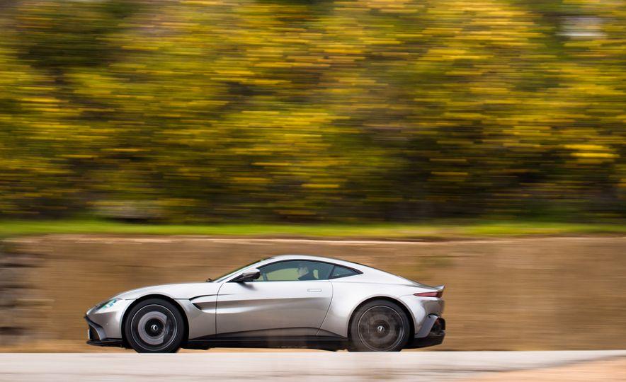 2019 Aston Martin Vantage - Slide 38