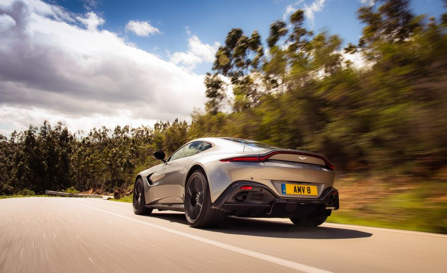 2019 Aston Martin Vantage - Slide 40