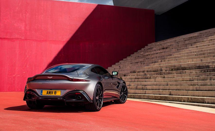 2019 Aston Martin Vantage - Slide 43