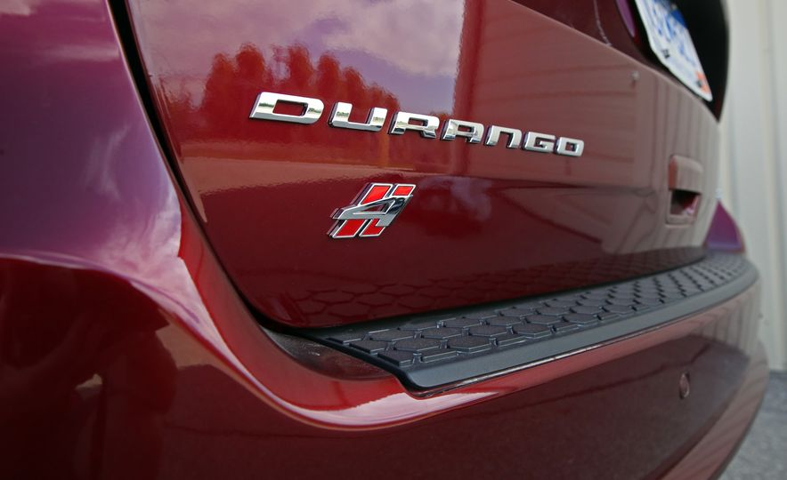 2018 Dodge Durango SRT - Slide 37