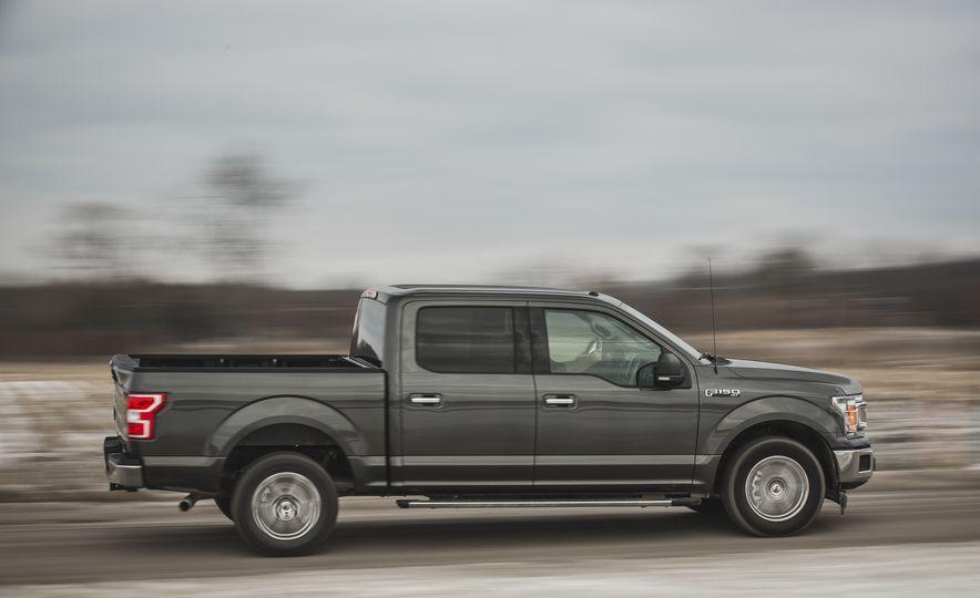 2018 Ford F-150 XLT 4x2 - Slide 10