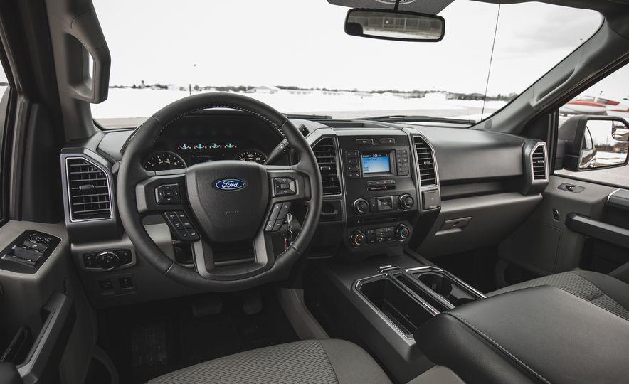 2018 Ford F-150 XLT 4x2 - Slide 24