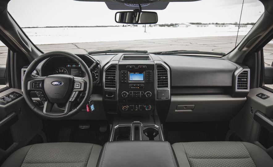 2018 Ford F-150 XLT 4x2 - Slide 26