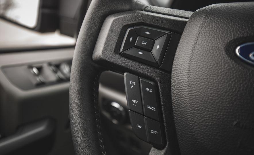 2018 Ford F-150 XLT 4x2 - Slide 31