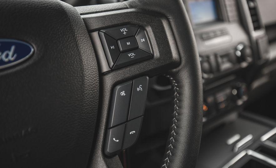 2018 Ford F-150 XLT 4x2 - Slide 32