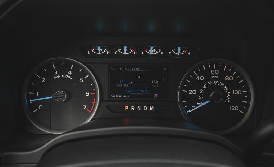 2018 Ford F-150 XLT 4x2 - Slide 33