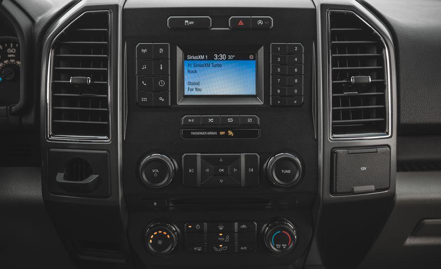 2018 Ford F-150 XLT 4x2 - Slide 35