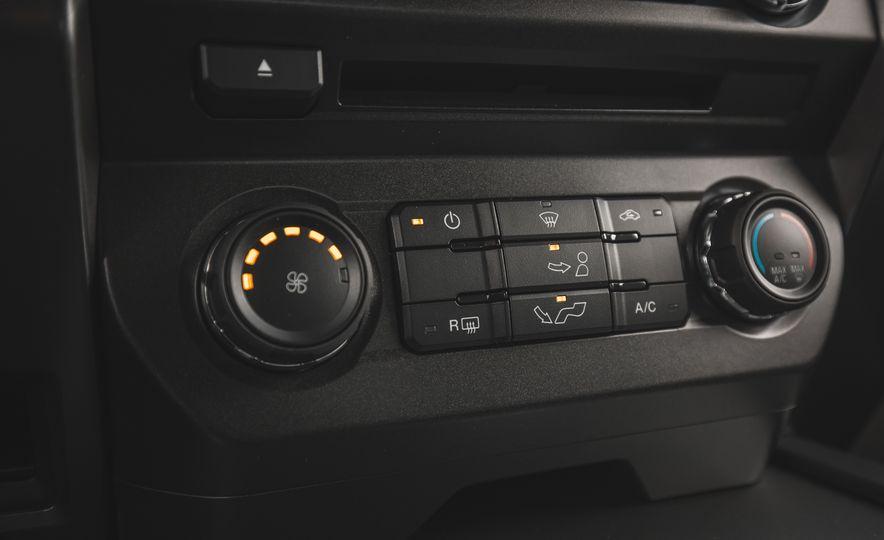 2018 Ford F-150 XLT 4x2 - Slide 38