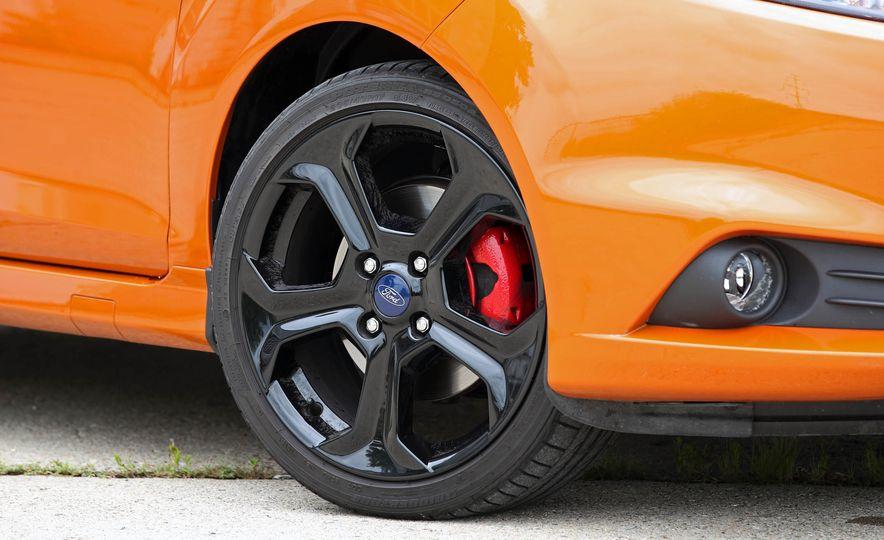 2017 Ford Fiesta ST - Slide 31
